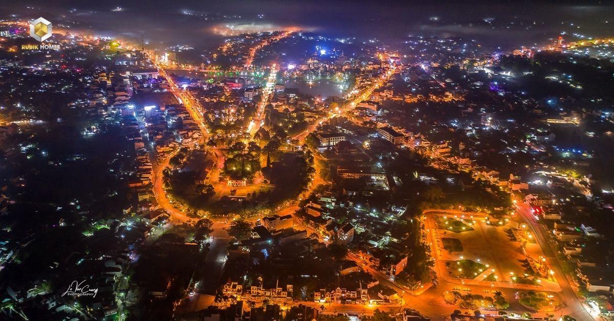 Một góc thành phố Đà Lạt về đêm.