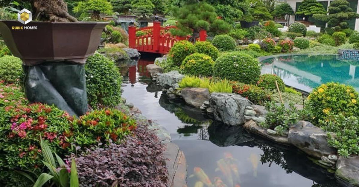 Kết hợp với hồ cá để tạo sinh khí cho khu nhà vườn