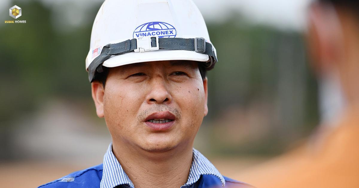 Ông Lê Văn Tiến, Chỉ huy trưởng mũi thi công đường số 10, gói thầu số 3 thuộc dự án cao tốc Phan Thiết - Dầu Giây, cho biết do thiếu hụt nguồn nguyên vật liệu, cộng với thời tiết không thuận lợi phần nào ảnh hưởng đến tiến độ thi công. Hiện, gói thầu số 3 hoàn thành khoảng 30-35% khối lượng.